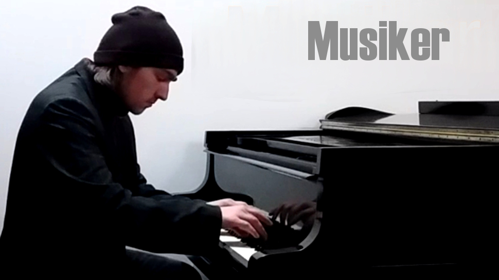 Dustin Leitol playing piano on bechstein piano in Ahrensburger Klaviergalerie